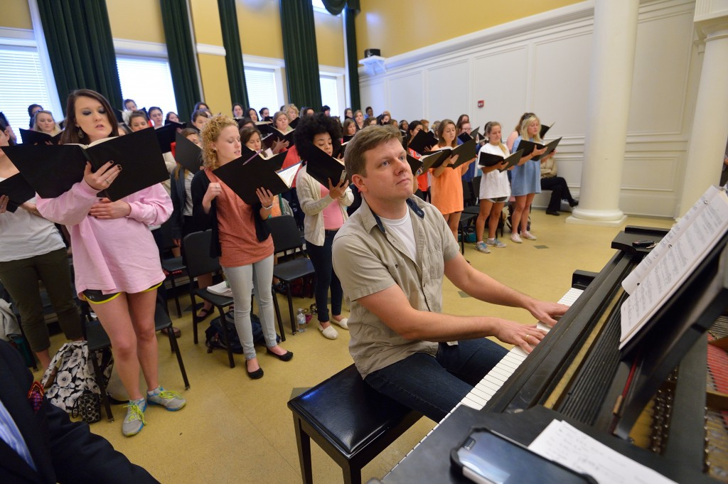 Conductor Ēriks Ešenvalds rehearses with the University Chorus before debuting a commissioned work.